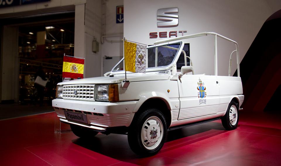 Das weiße Papamóvil – in 15 Tagen umgebaut für den Besuch des Papstes 1982.